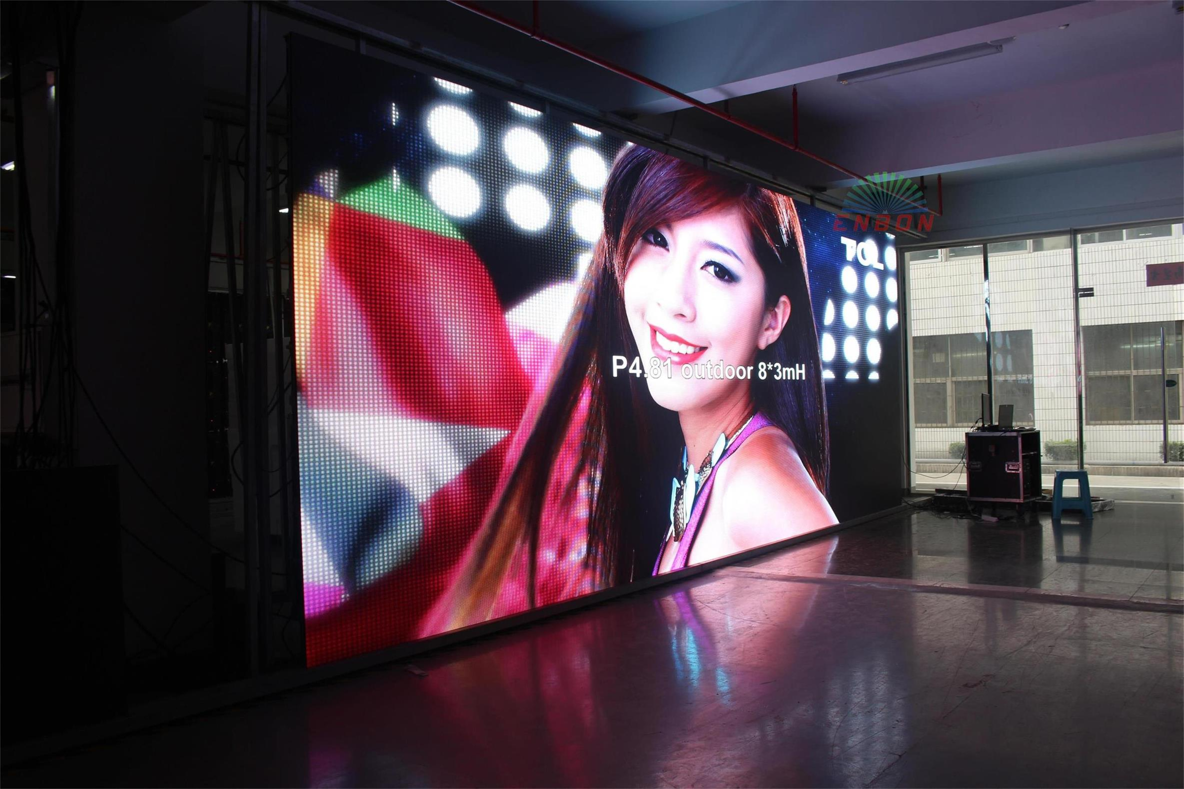 P4.81 Outdoor SMD 3 in 1 500mm*1000mm Rental LED Video Wall on Truss for Music Shows Backgound